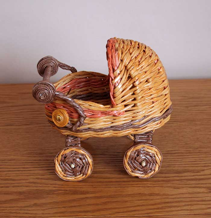 Baby carriage candy vase